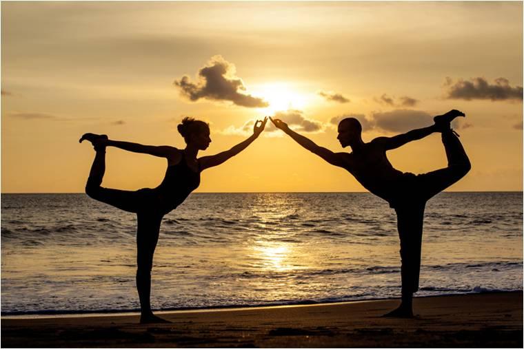 Top 10 cele mai populare poziții de yoga